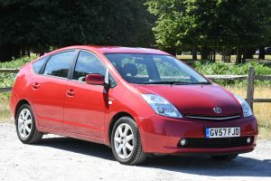 Used TOYOTA PRIUS in Hampton Court, Surrey for sale