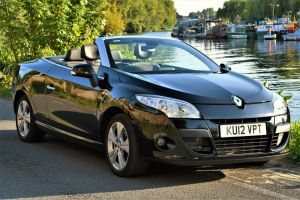 Used RENAULT MEGANE in Hampton Court, Surrey for sale