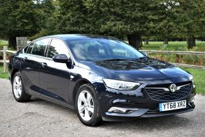 Used VAUXHALL INSIGNIA in Hampton Court, Surrey for sale