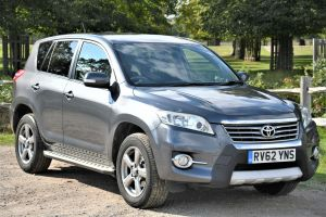 Used TOYOTA RAV-4 in Hampton Court, Surrey for sale