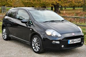 Used FIAT PUNTO in Hampton Court, Surrey for sale