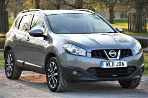 Used NISSAN QASHQAI in Hampton Court, Surrey for sale