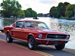 Used FORD MUSTANG  302 V8 AUTO in Hampton Court, Surrey for sale