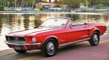 Ford_Mustang_convertible_1967.jpg